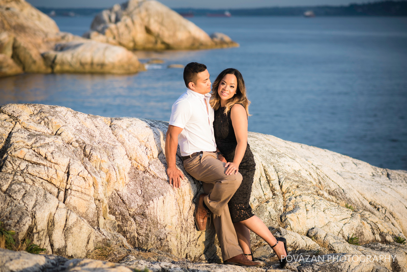 Dramatic scenic engagement pictures from Lighthouse park cliffs